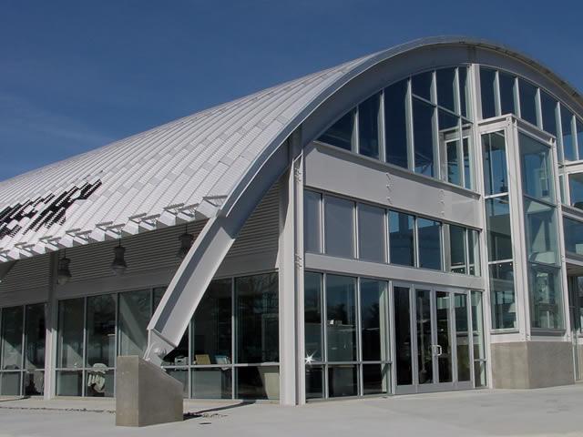 Capannoni metallici e carpenteria metallica industriale e for Capannone moderno